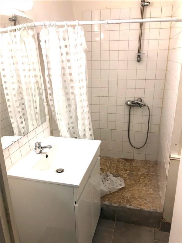 Appartement - 1er étage - 25 m2 - 2 pièces - Meublé